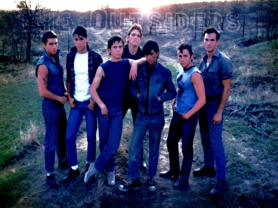 question set the outsiders themes when dallas winston helps ponyboy and johnny hide from the police this is an example of which theme